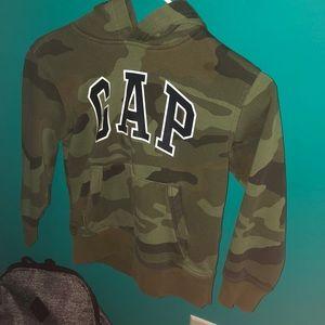 Gap green camo hoodie boys size 6-7